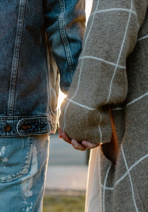 Couple holding hands - Perfect Story Photography
