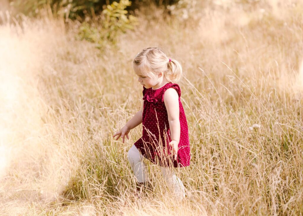 Outdoor Adventure with daughter - Plymouth Family Photographer - Perfect Story Photography